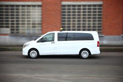 luchthavenvervoer antwerpen charleroi white big taxi image